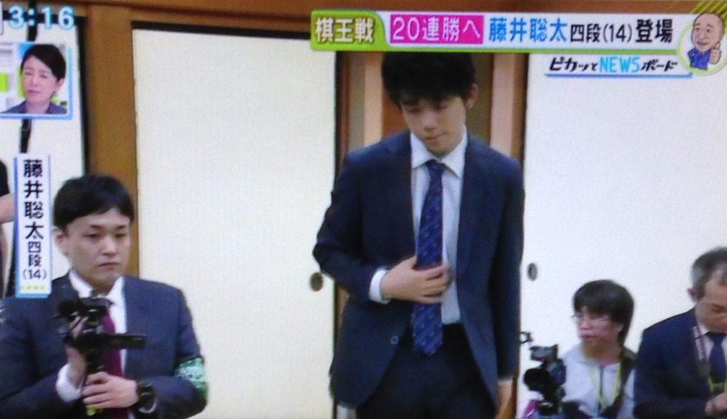 藤井四段、20連勝!!相変わらずキュボロ品簿
